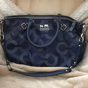 EUC Coach leather/material purse.